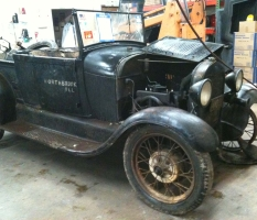 Antique Car – Northbrook